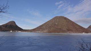 凍る榛名湖