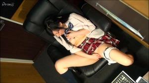 ネットカフェ覗き撮り制服娘オナニーVol03