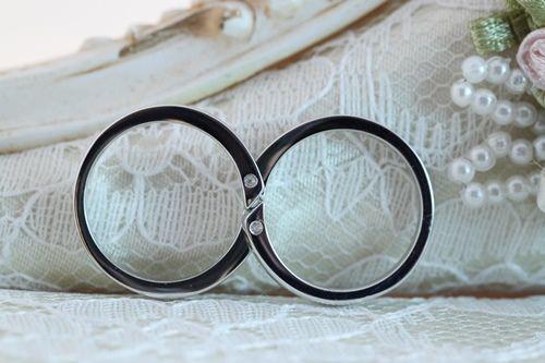 とってもカラフルで可愛い結婚指輪ですね ハートのダイヤ・ルビー・ブルーダイヤ 男性のリングもとっても綺麗