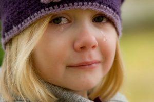 crying-572342_960_720-300x200