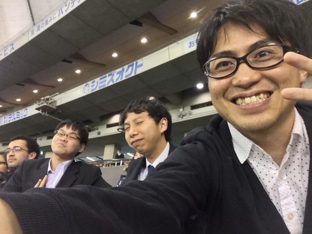 オセラーと東京ドームで酒飲んでる