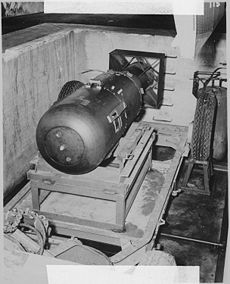 230px-Atombombe_Little_Boy_2