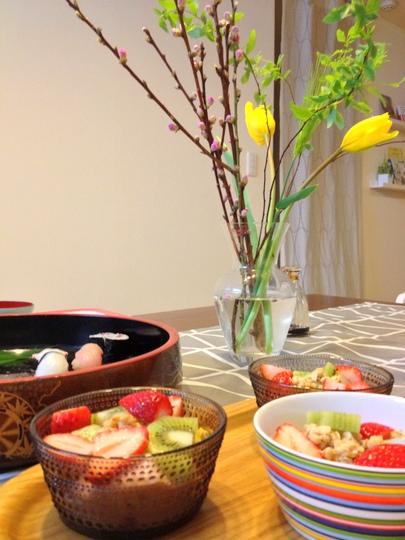 桃の枝 食卓
