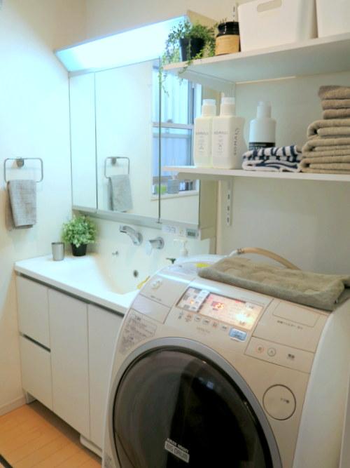 洗面所と床下収納