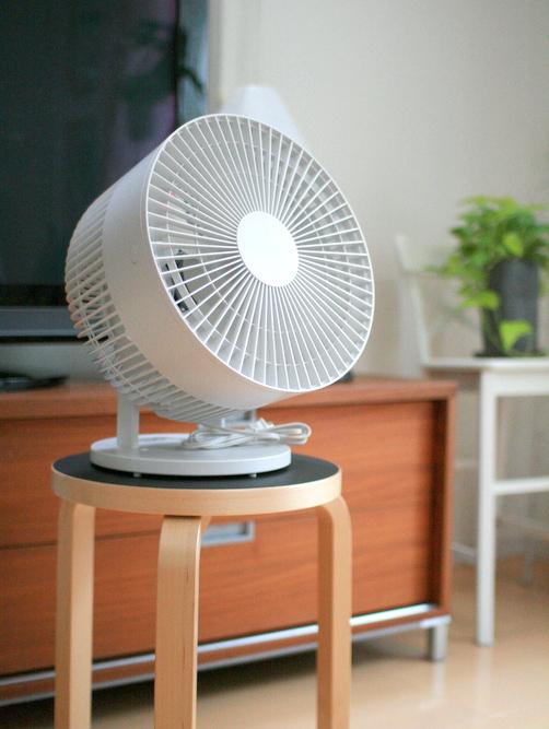 無印 サーキュレーター (低騒音ファン・大風量タイプ)・ホワイト 型番:AT‐CF26R‐W