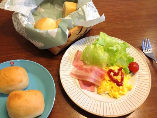 コストコ ディナーロール 朝食に