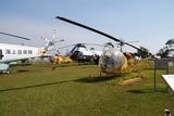 敷地内には多くの航空機やヘリコプターが展示 6