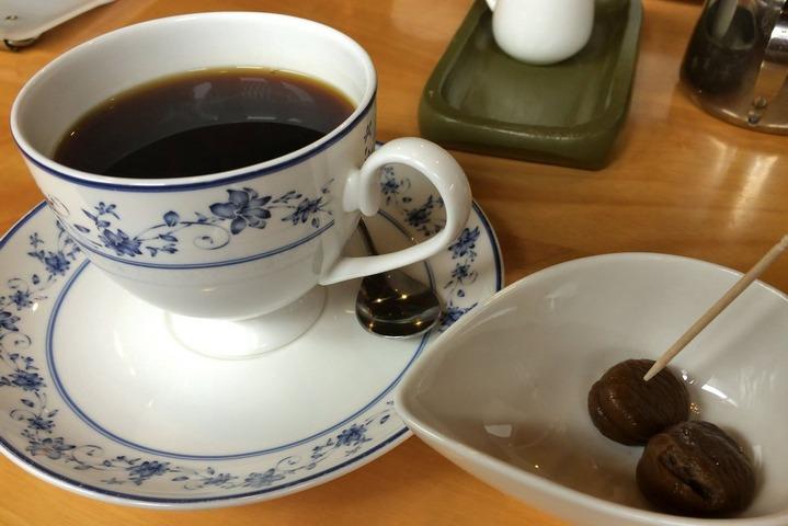 カフェ「くりやさん」のホットと甘栗