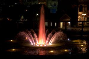 東遊園地の噴水1