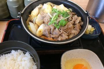 吉野家の牛すき鍋膳(セット)