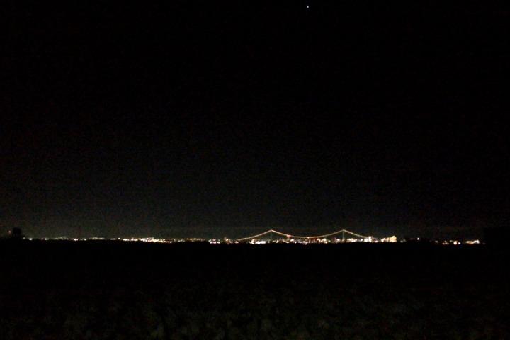 定点的撮影場所の夜景