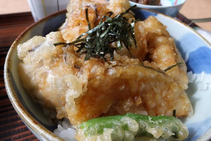 海宝の牡蠣天丼