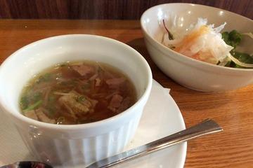 貴坂のランチセット(スープとサラダ)