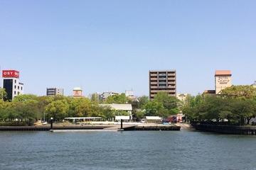 大川を走る水陸両用バス3