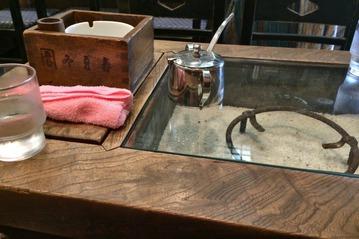 和風喫茶「霜月」のテーブル