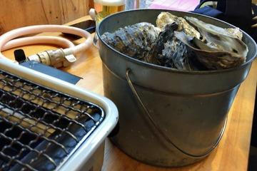 超世界の殻付き蒸し牡蠣