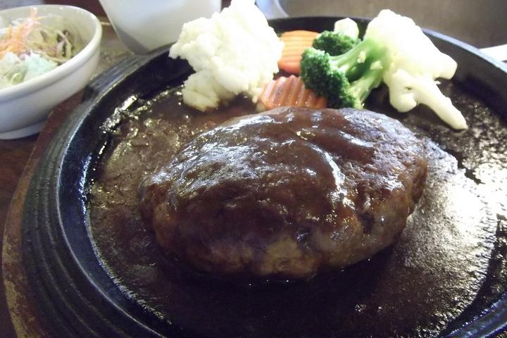 伊丹ミートセンターのハンバーグ定食