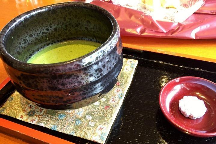 和菓子「谷常」の抹茶