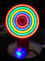 光る扇風機1