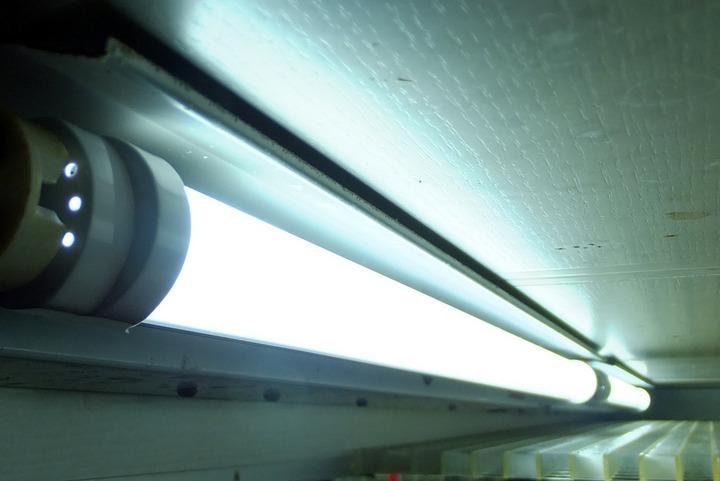LED直管球20W型