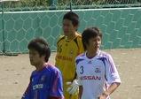 守備に奮闘した成田(右)