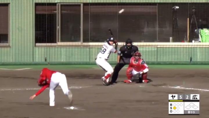カープ鈴木寛人、何度も抜け球がバックネット直撃…