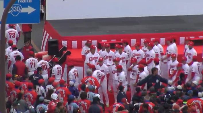 沖縄優勝パレード52