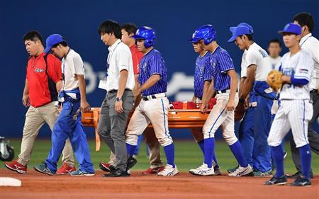 【悲報】広島・鈴木誠也は「右脛骨内果剥離骨折」の診断 試合中ジャンピング捕球の際に痛める