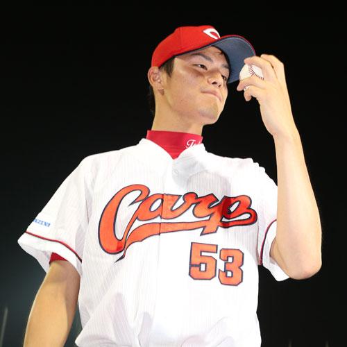 戸田初勝利Tシャツ3