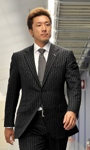 永川スーツ