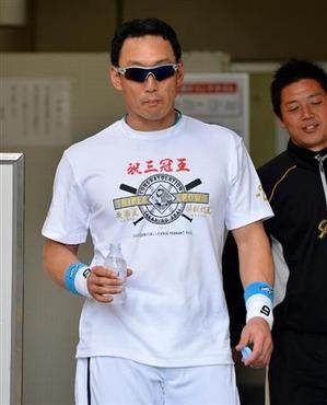 金本新井三冠王Tシャツ4