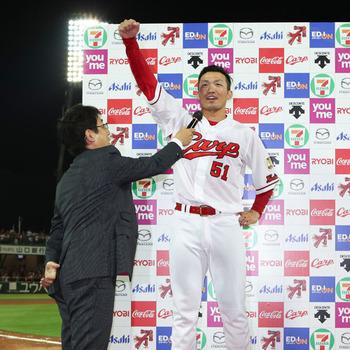 鈴木誠也サヨナラホームランTシャツ11