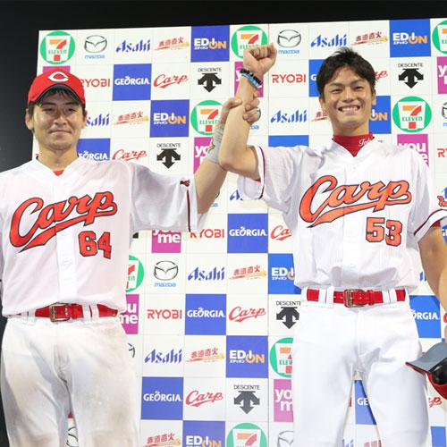 戸田初勝利Tシャツ4