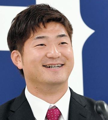 【広島】岡田は1300万アップの年俸5500万円でサイン 全体的なレベルアップ目指す