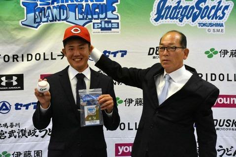 広島ドラフト5位・行木俊に指名あいさつ 今夏に球速10キロ上昇 体重も増量中「ケガしない体を」