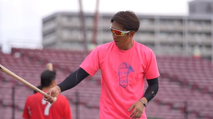 西川似顔絵Tシャツ1
