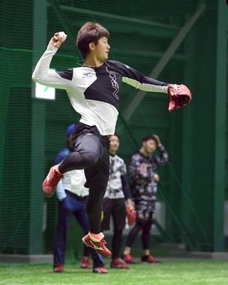 カープ岡田、大好きな打撃練習30分 ブルペン入りは1月後半「自分のペースでやっていけたらいい」