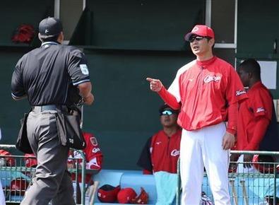 広島・緒方監督、投手陣自滅に不機嫌あらわ 「担当(投手コーチ)に聞いて」