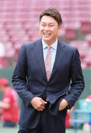 カープを救えるのは新井貴浩氏だけ?来季コーチ招へいに期待