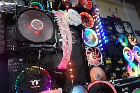 【朗報】PCパーツ、どんどん光る まだ光らせてないやつおる?