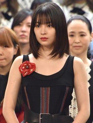 【悲報】広瀬すず、「私aikoさんがデビューした年に生まれました!!」