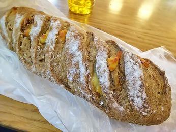 イチジクとかチーズのパン