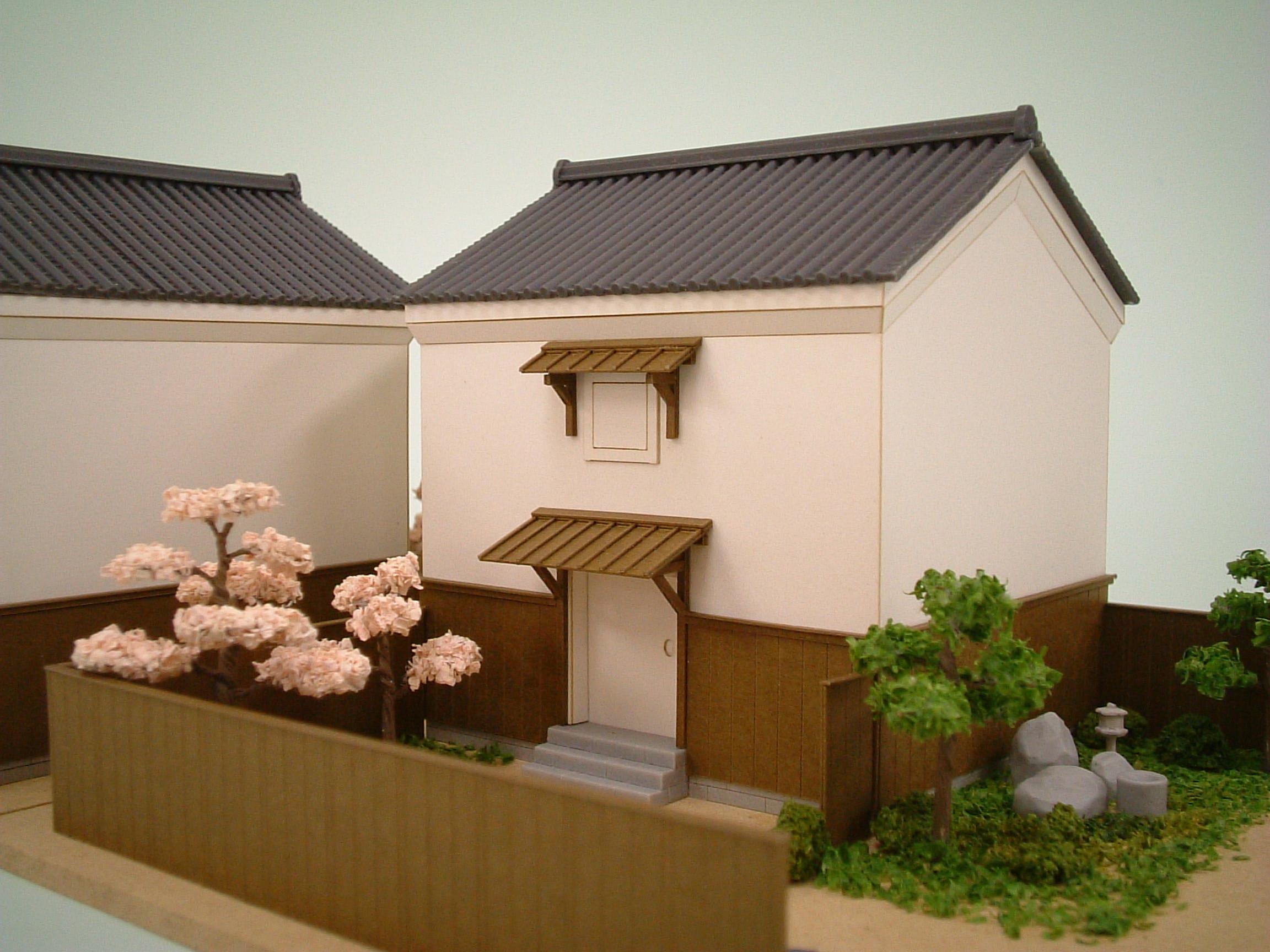 蔵-02平入り 左が妻入り、右が平入りの蔵です。 樹木セットの桜や「つくばいと庭石」を... 『