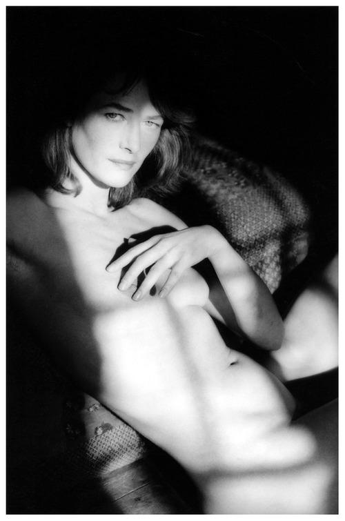 jeanloup-sieff-charlotte-rampling-normandie-1985
