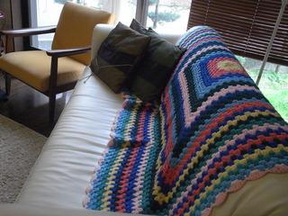祖母の手編みのこたつカバー