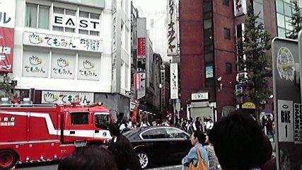 新宿東口オカダヤ火災09