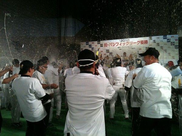 ホークス優勝祝賀会(ビールかけ)06