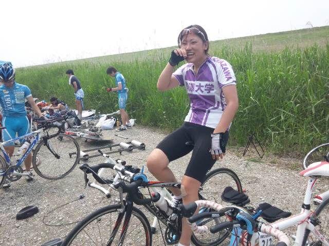 自転車の 自転車 tt 練習 : 佐藤も走り終えた安堵か笑顔が ...