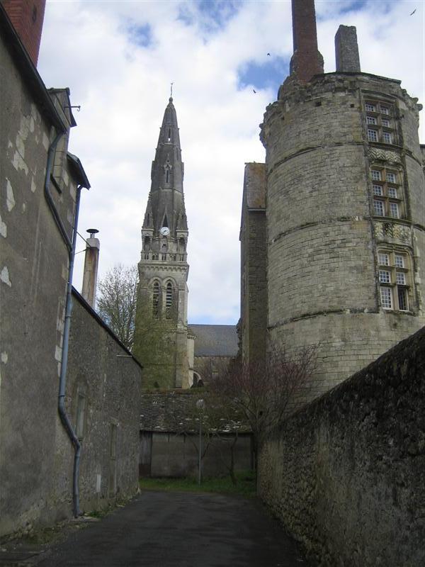 教会と古城跡
