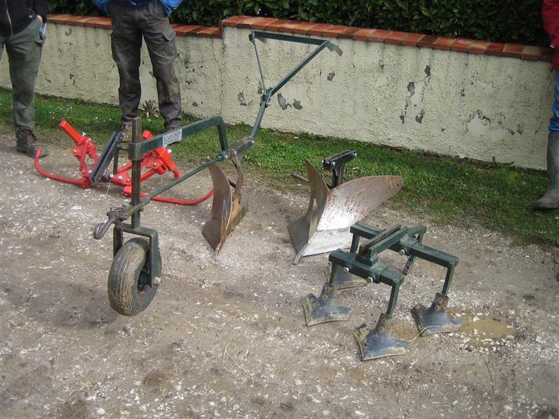 馬の耕作器具